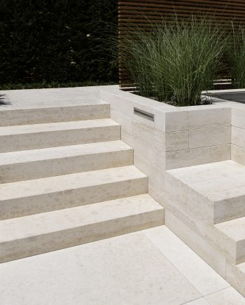Blockstufen aus Naturstein